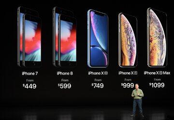 Tim Cook i trzy nowe telefony od Apple