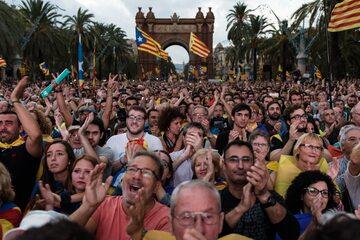 Tłum Katalończyków