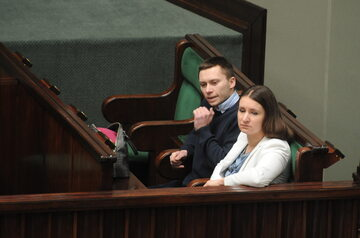 Tomasz i Karolina Elbanowscy podczas sejmowej dyskusji o sześciolatkach, 2015 r.