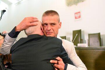 Tomasz Komenda podczas ogłaszania decyzji o uniewinnieniu