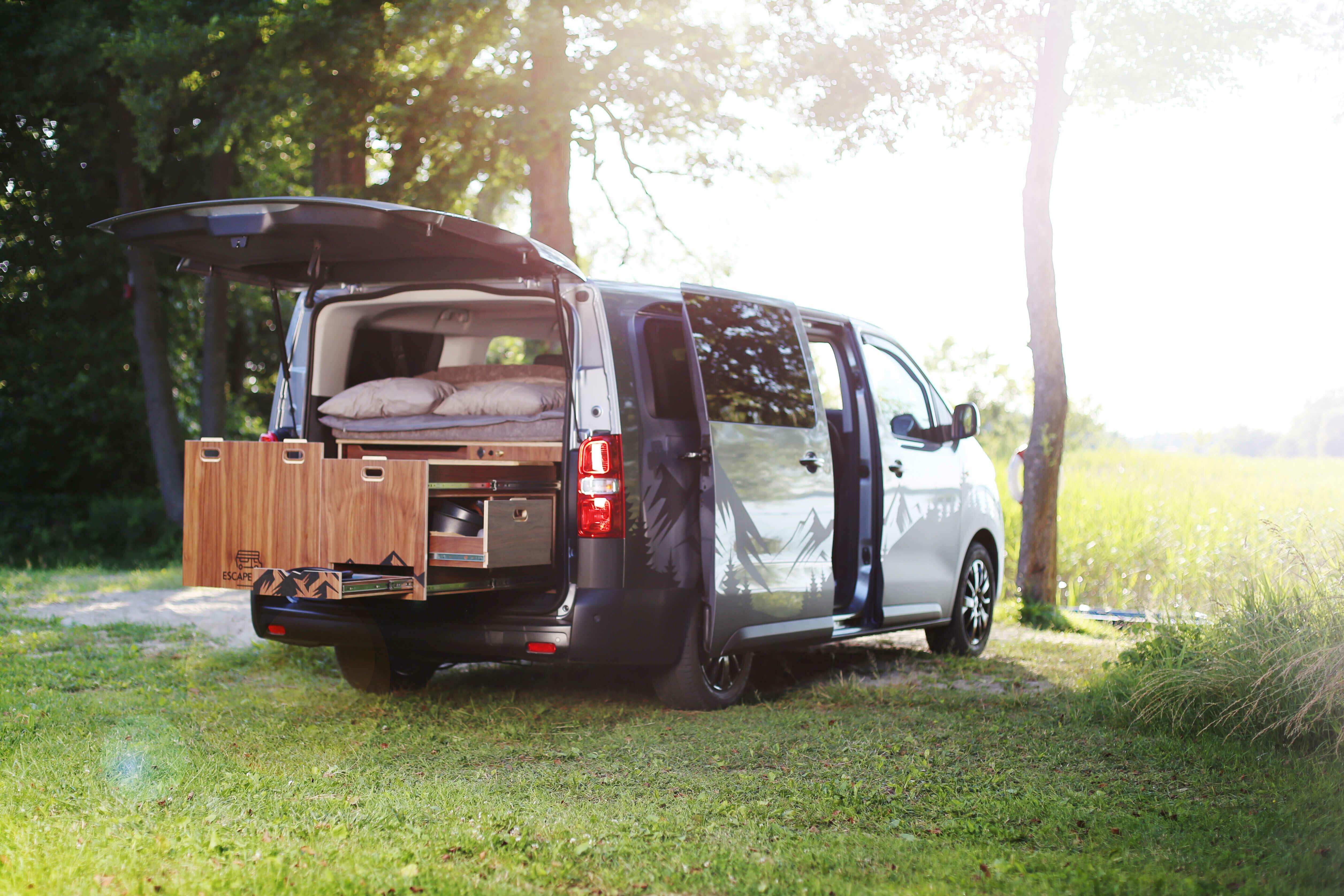Toyota Proace Escape Vans