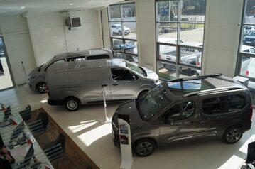 Toyota Professional Wesoła – Pierwsze w Polsce Centrum Samochodów Dostawczych i Używanych