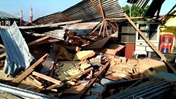 Trzęsienie ziemi i tsunami w Indonezji