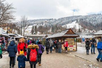 Turyści w Zakopanem, zdj. ilustracyjne