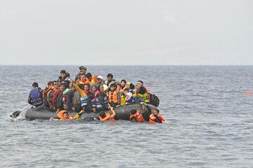 Uchodźcy u wybrzeży Grecji, zdjęcie ilustracyjne