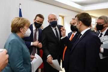 Unijni politycy podczas szczytu Rady Europejskiej