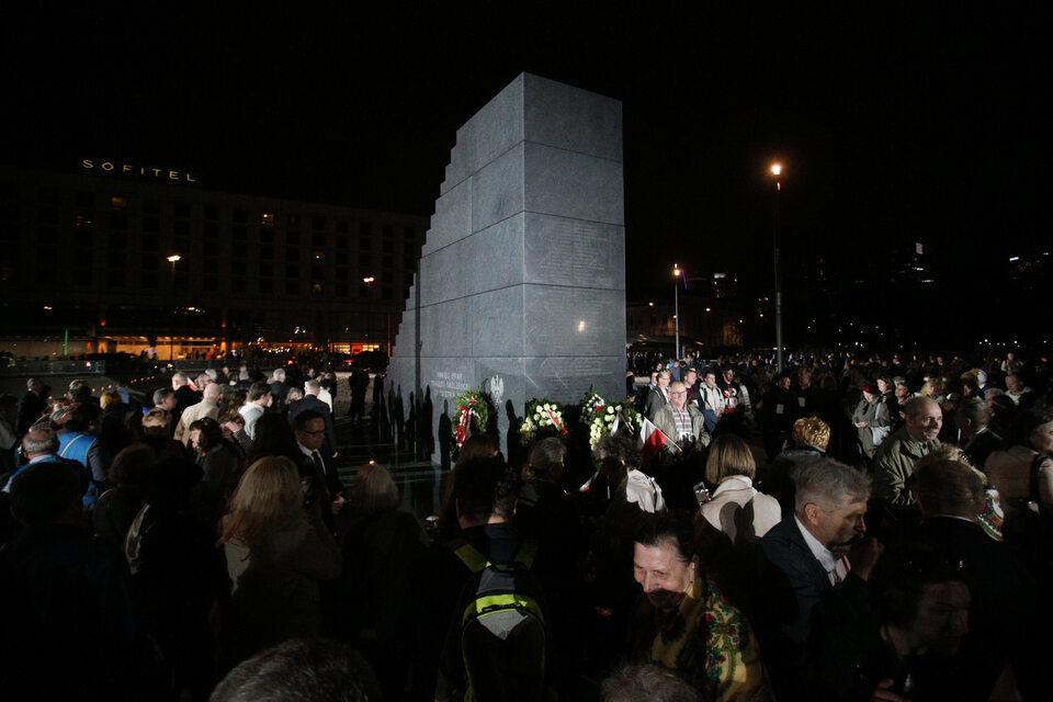 Uroczystość odsłonięcia pomnika Ofiar Tragedii Smoleńskiej 2010 roku