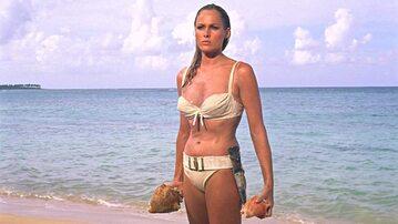 Ursula Andress w filmie Dr. No