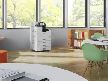 """W czasie pandemii, m.in. dzięki sprzedaży urządzeń w technologii """"Heat-Free"""", EPSON wysunął się na drugie miejsce w światowym rankingu największych producentów drukarek, zwiększając dostawy o blisko 60 proc."""