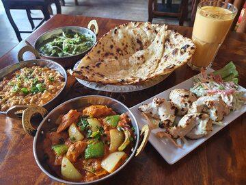 W menu restauracji Namaste India znajduje się 147 pozycji