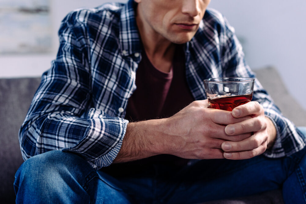 W pandemii zwiększyło się spożycie alkoholu u osób pijących i tak ryzykownie