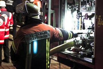 W walce z powodziami pomagają strażacy