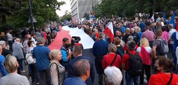 """Warszawa. Protest przeciwko """"lex TVN"""""""