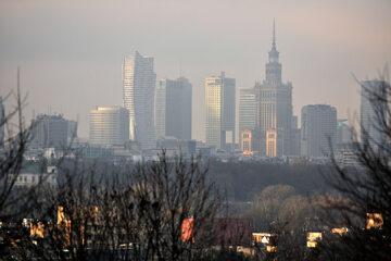 Warszawa spowita smogiem