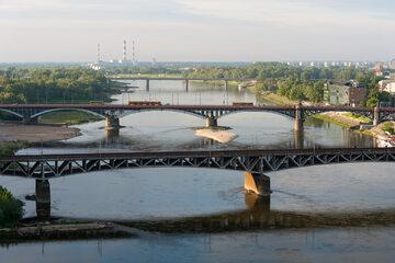 Warszawskie mosty i ruch samochodów