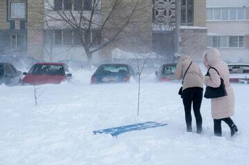Wiatr, śnieg, zima, zdj. ilustracyjne