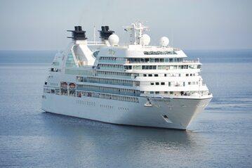 Wielkie statki wycieczkowe od miesięcy stoją w portach