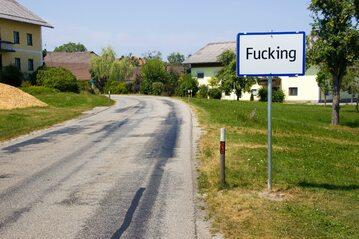 Wjazd do wsi Fucking