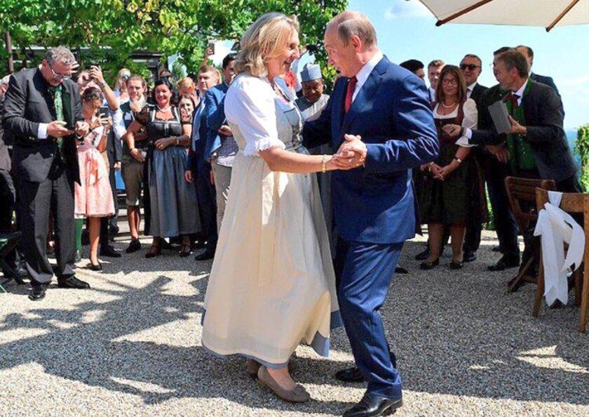 Władimir Putin i Karin Kneissl