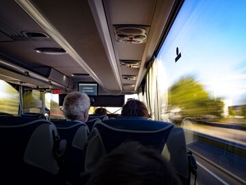 Wnętrze autobusu, zdjęcie ilustracyjne