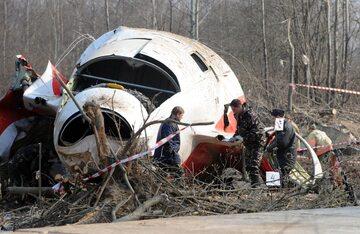 Wrak TU-154M na miejscu katastrofy smoleńskiej