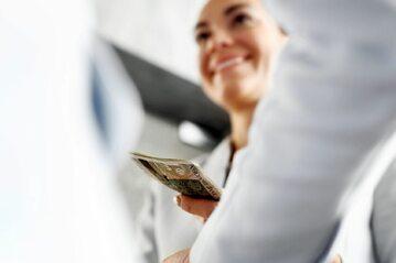 Wypłata, pieniądze (zdj. ilustracyjne)