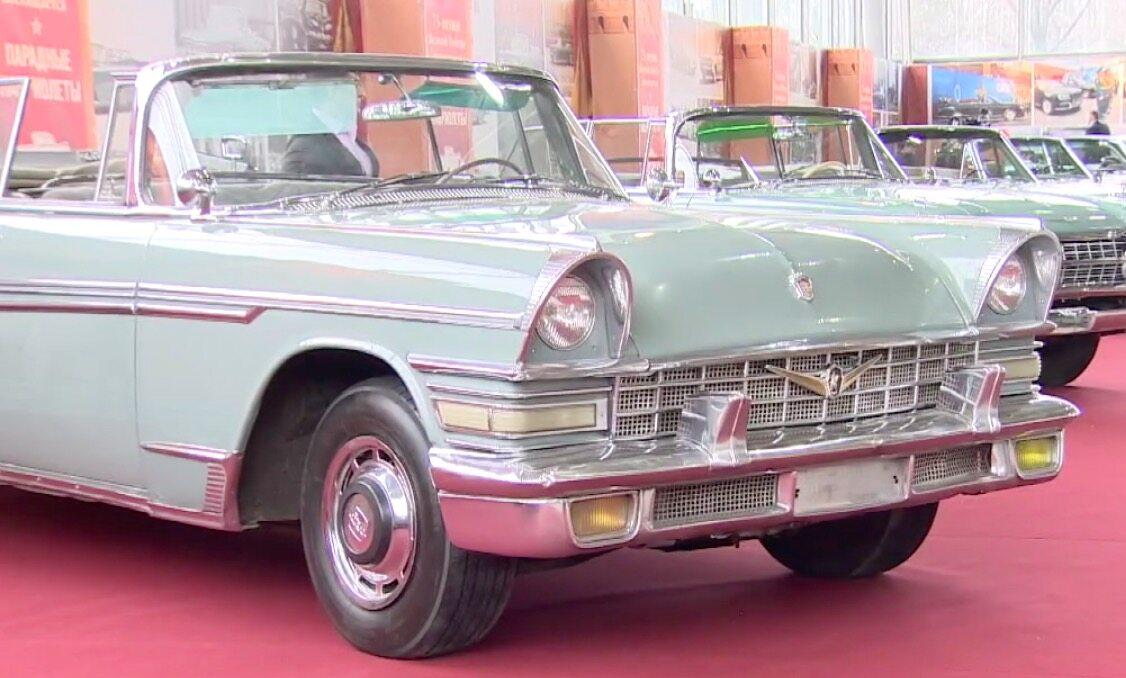 Zabytkowe auta na wystawie w Moskwie