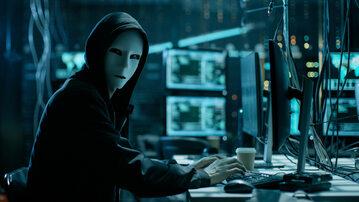 Zamaskowany użytkownik internetu (zdj. ilustracyjne)