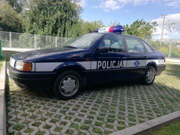 """Zatrzymany przez policję """"policyjny"""" VW Passat"""