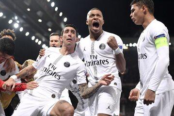 Zawodnicy PSG po drugim golu w meczu na Old Trafford