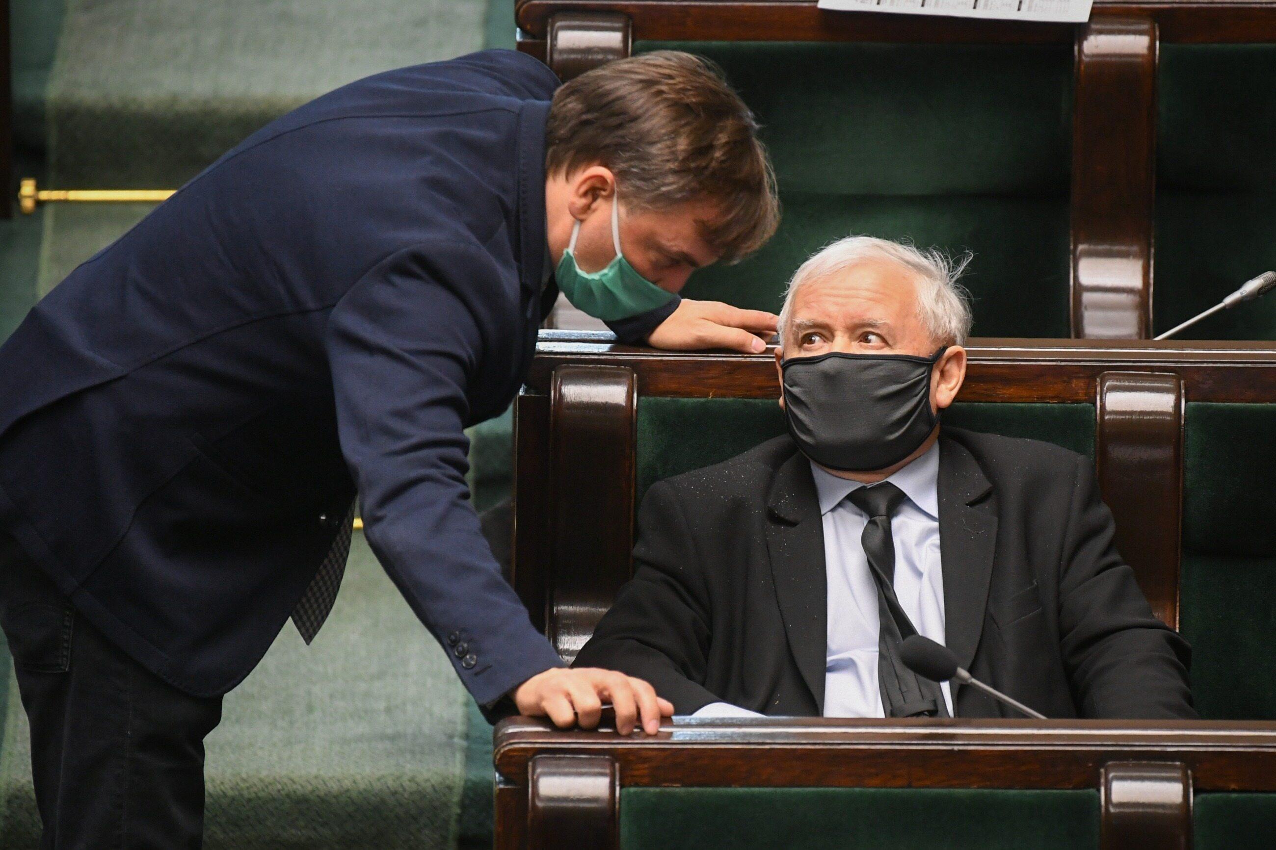 Zbigniew Ziobro i Jarosław Kaczyński podczas posiedzenia Sejmu, 28 maja