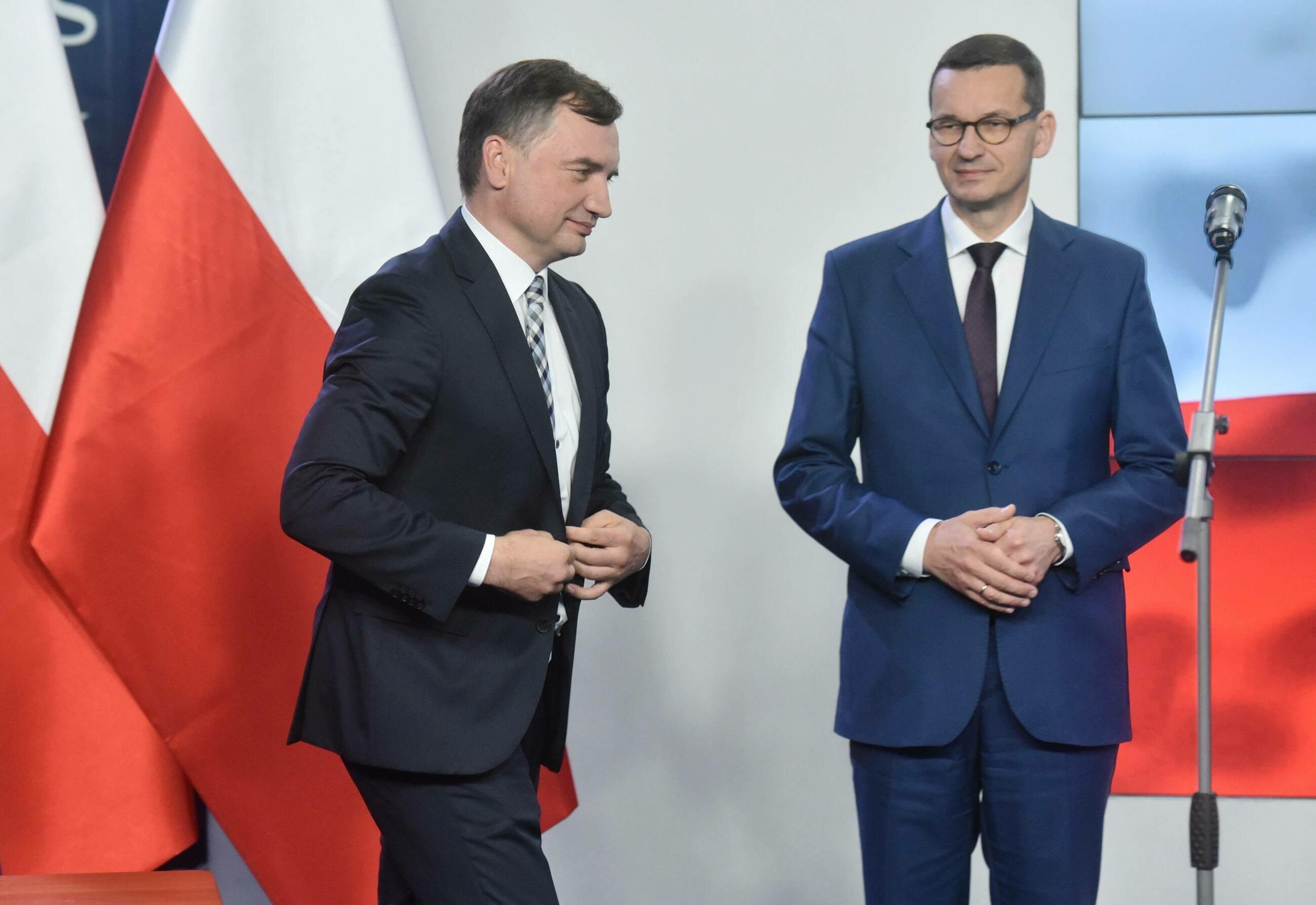 """Kolejny rzekomy wyciek ze skrzynki Dworczyka. """"Solidarna Polska nie powinna dymić"""