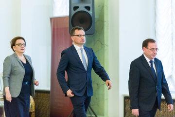 Zbigniew Ziobro (w środku)