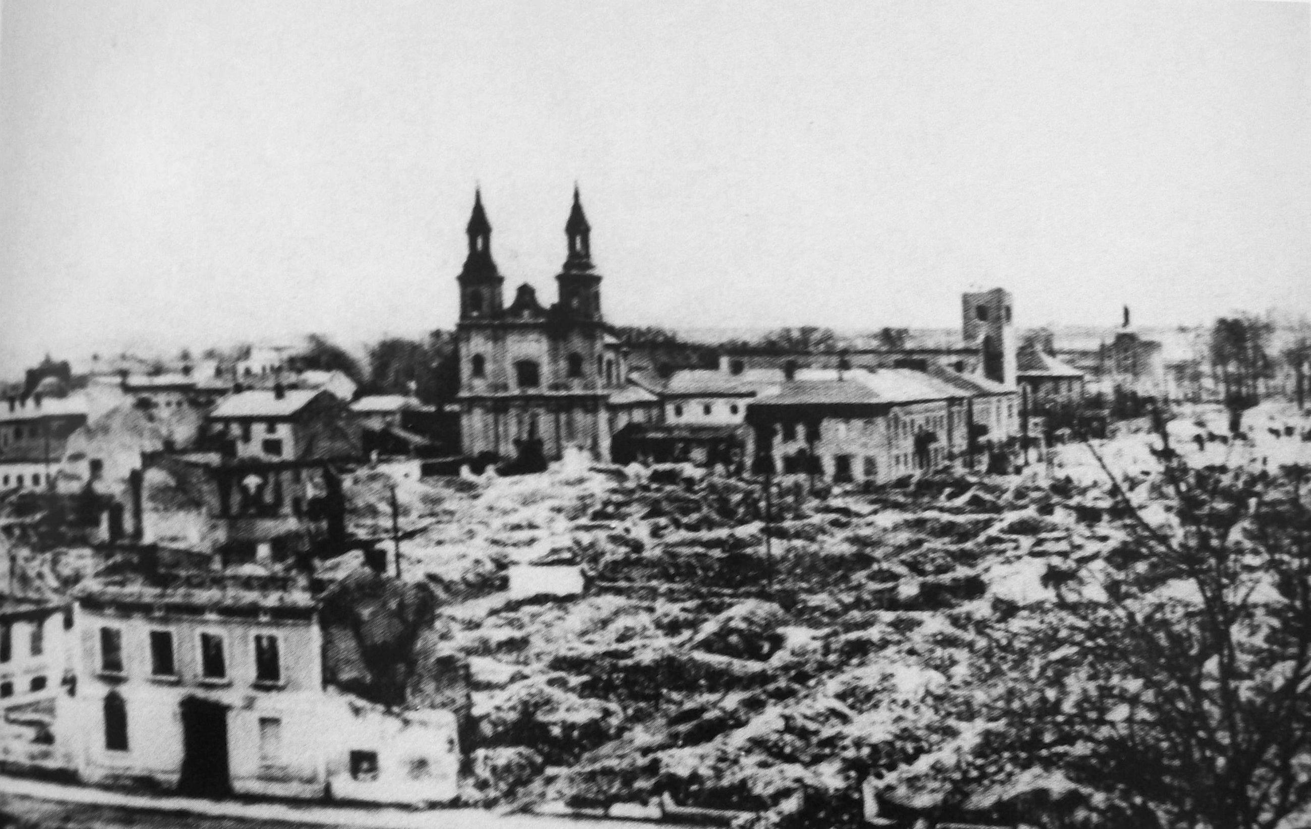 Zbombardowane centrum Wielunia (zdjęcie ze zbiorów Muzeum Ziemi Wieluńskiej w Wieluniu)