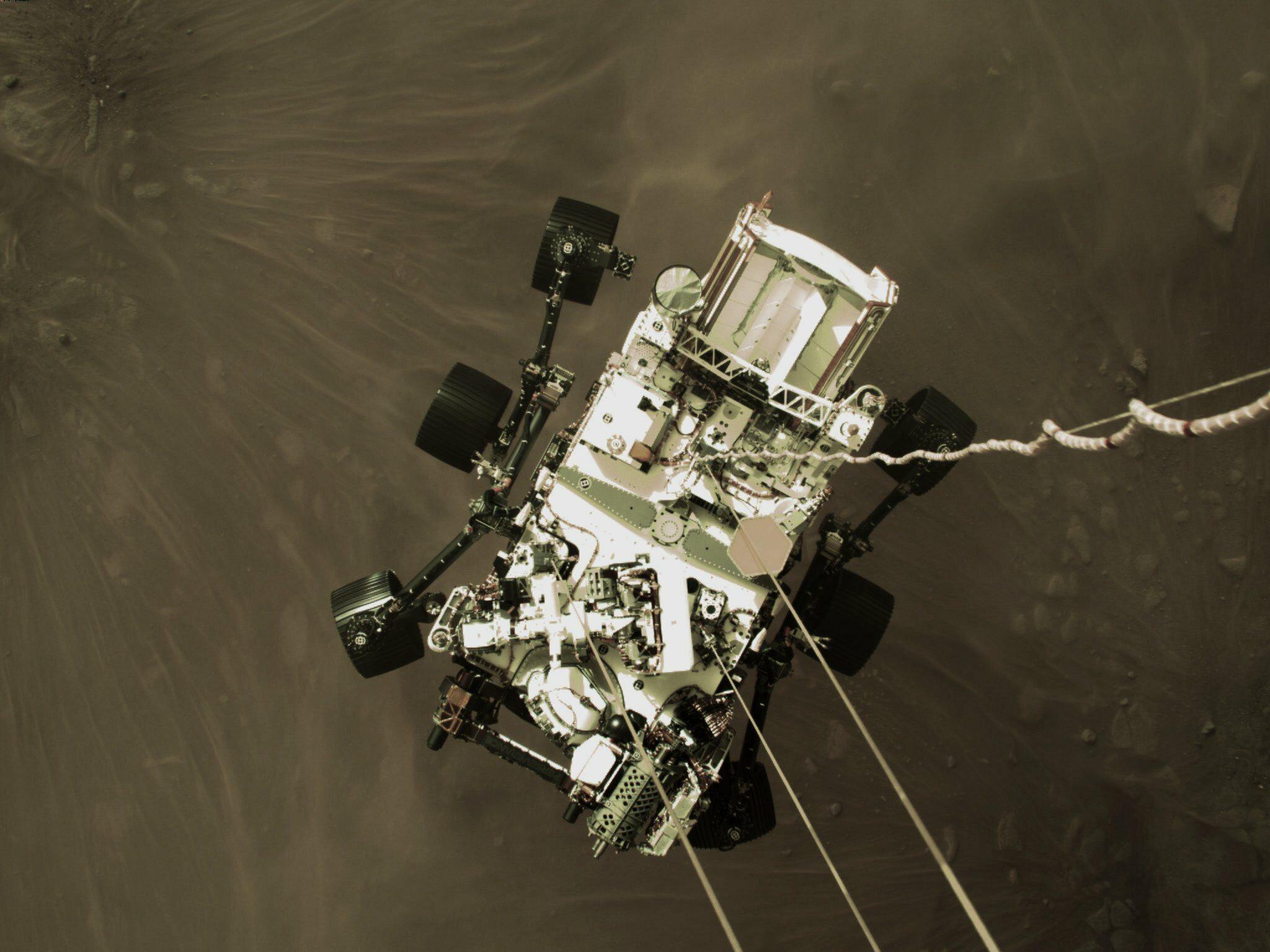 Zdjęcia łazika Perseverance na Marsie