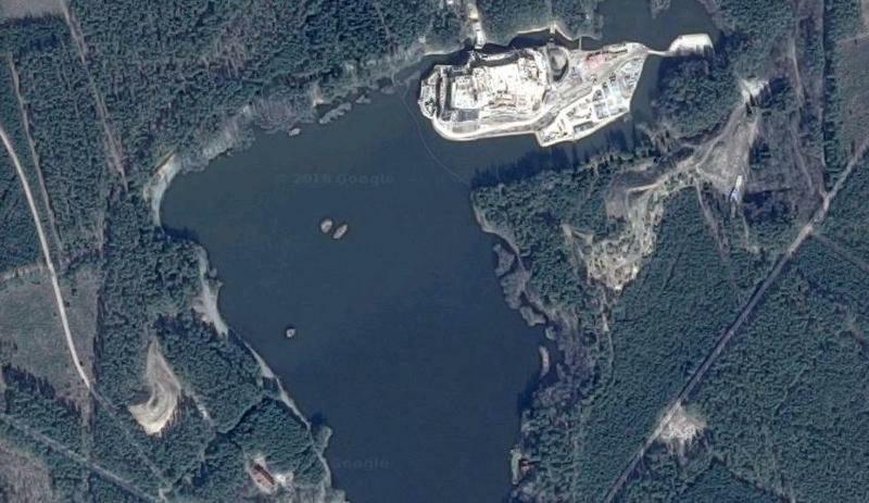 Zdjęcie satelitarne zamku w Stobnicy