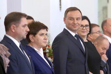 Zdjęcie z 2016 roku, od lewej: Szef NSZZ Solidarność Piotr Duda, premier Beata Szydło i prezydent Andrzej Duda