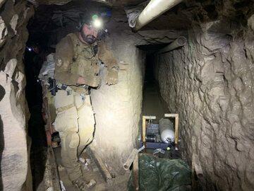 Zdjęcie z odkrytego przez amerykańskie służby tunelu