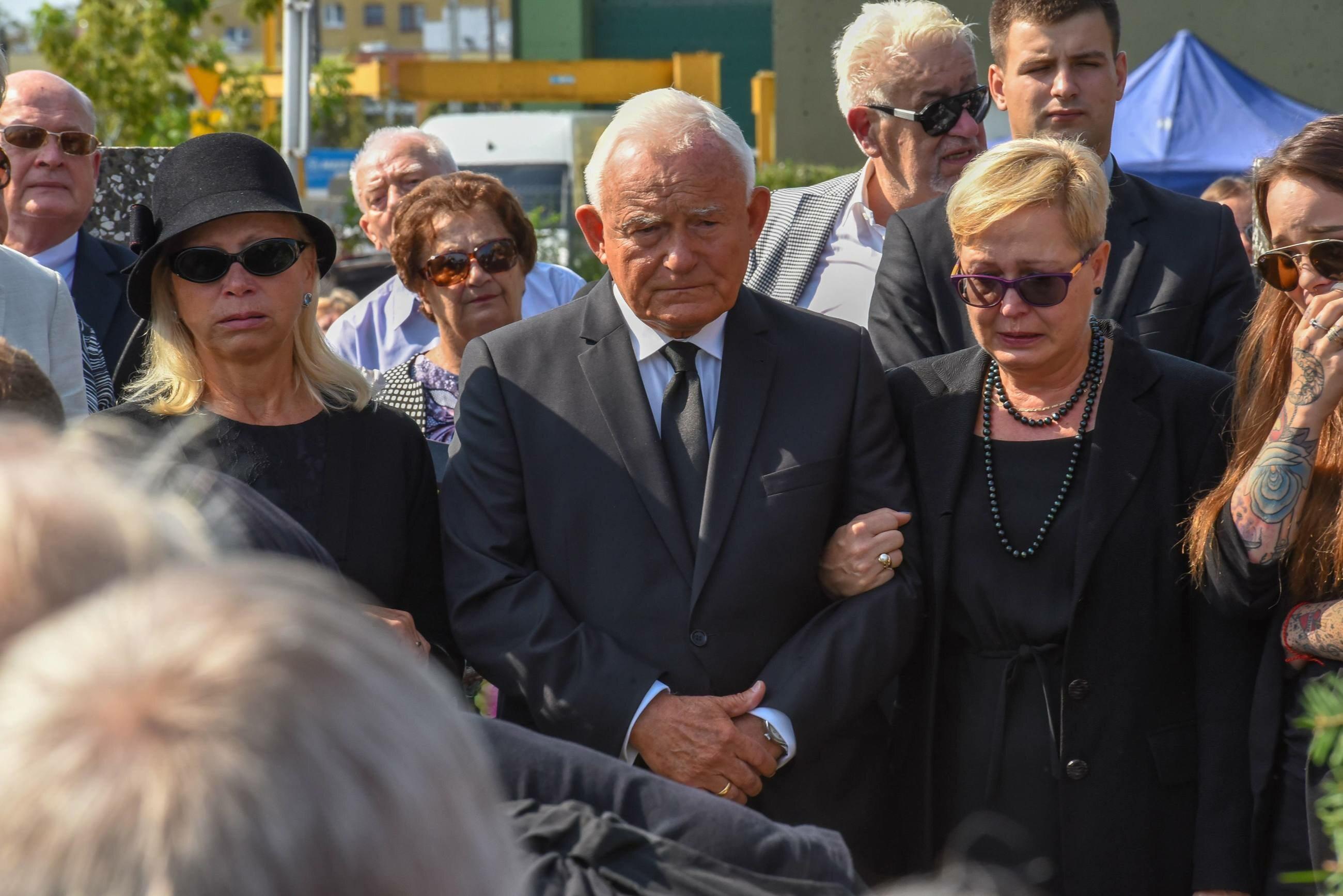 Zdjęcie z pogrzebu Leszka Millera Juniora