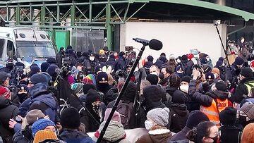 Zdjęcie z warszawskiego protestu Strajku Kobiet na 8 marca