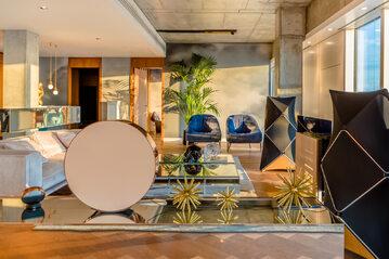 Złota 44, apartament pokazowy wyposażony w sprzęt Bang & Olufsen
