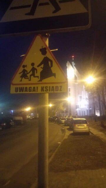 Znak drogowy w Toruniu