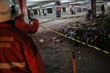 Zniszczenia na wyspie Lombok