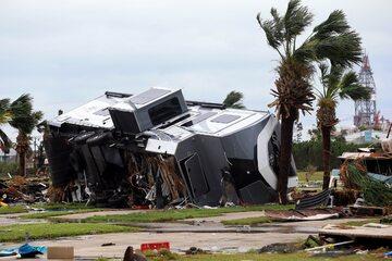 Zniszczenia po przejściu huraganu Harvey w USA