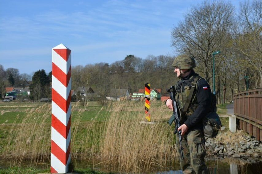 Żołnierz na granicy polsko-niemieckiej