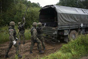 Żołnierze na granicy polsko-białoruskiej